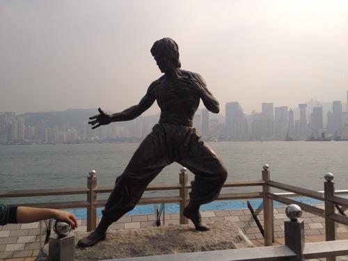 ブルース・リー銅像