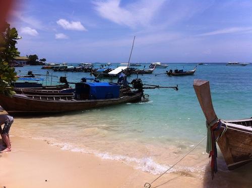 「海外を旅しながら仕事する」を実現するにはどうすれば良いか考えてみた。