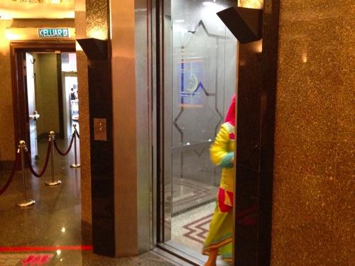 エレベーター KLタワー