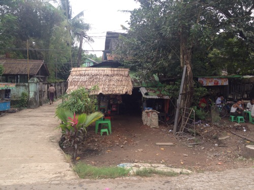 ヤンゴン 道