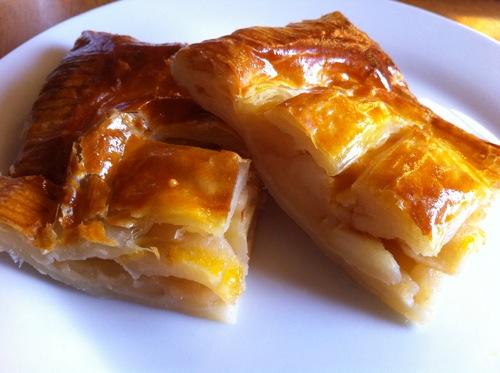 リンゴぎっしりアップルパイの作り方 – 冷凍パイシートを使って簡単!