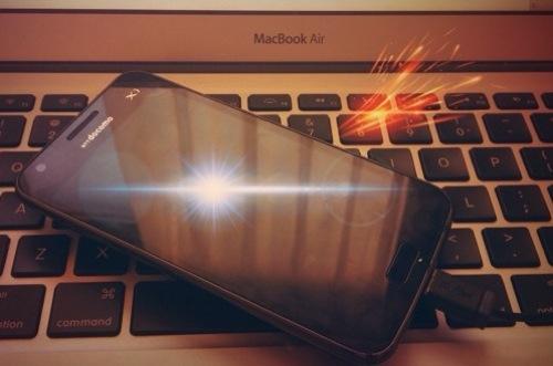 [Lion] Macでスリープ中(閉じた状態)でiPhoneやスマホを充電する方法。