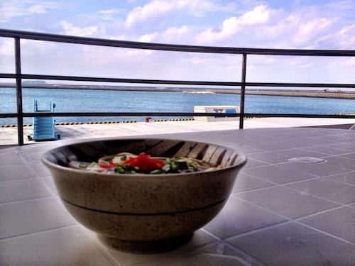 沖縄そば 海の前