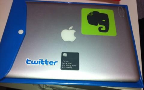 激安でしかもスタイリッシュなMacBookAirとHyperMac用のケースを買ったよ