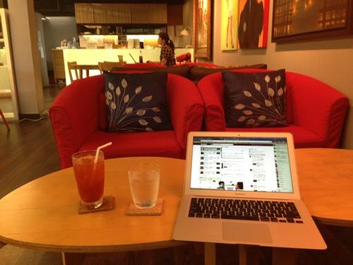 タイ・バンコクでWiFi電源のあるコワーキングスペース「The Third Place」が良い感じ。