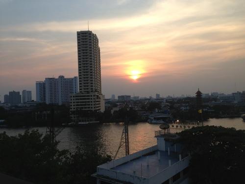 チャイナタウンにある夕日が超絶綺麗な「River Vibe Restaurant & Bar」に行ってきました | #ブログ観光大使