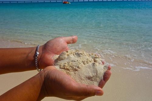 死ぬまでに行きたい沖縄県宮古島にある日本で1番美しい海「与那覇前浜ビーチ」