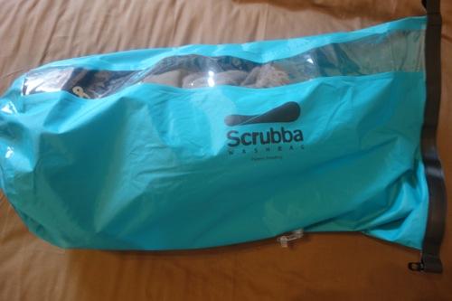 【動画】150gの持ち運べる洗濯機「Scrubba washbag(スクラバウォッシュバック)」の使い方