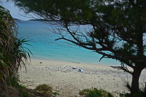 君は無人島に行った事があるか?沖縄の安室島(無人島)でプチサバイバル生活してきた!!