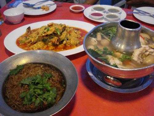 [タイ]レストランのトイレと忍び寄る影