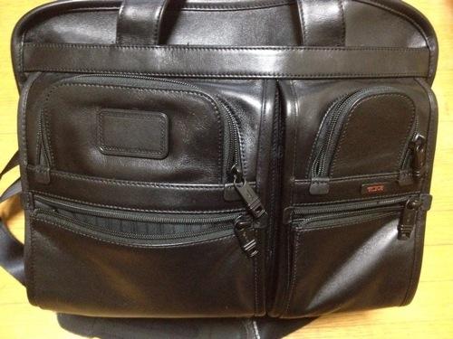 旅行・出張におすすめのバッグ「TUMI ビジネスバッグ Alpha 『エクスパンダブル・オーガナイザー・レザー・コンピューター・ブリーフ』 」